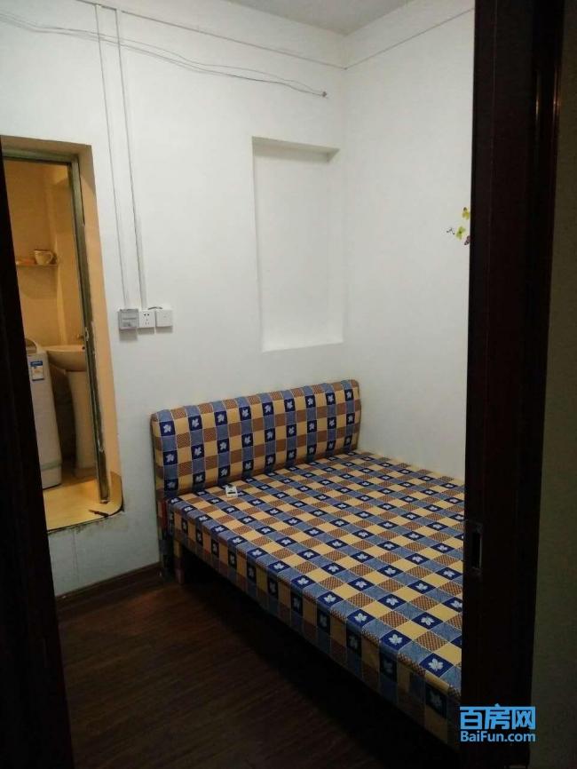 楠海花园小区 1室0厅1卫